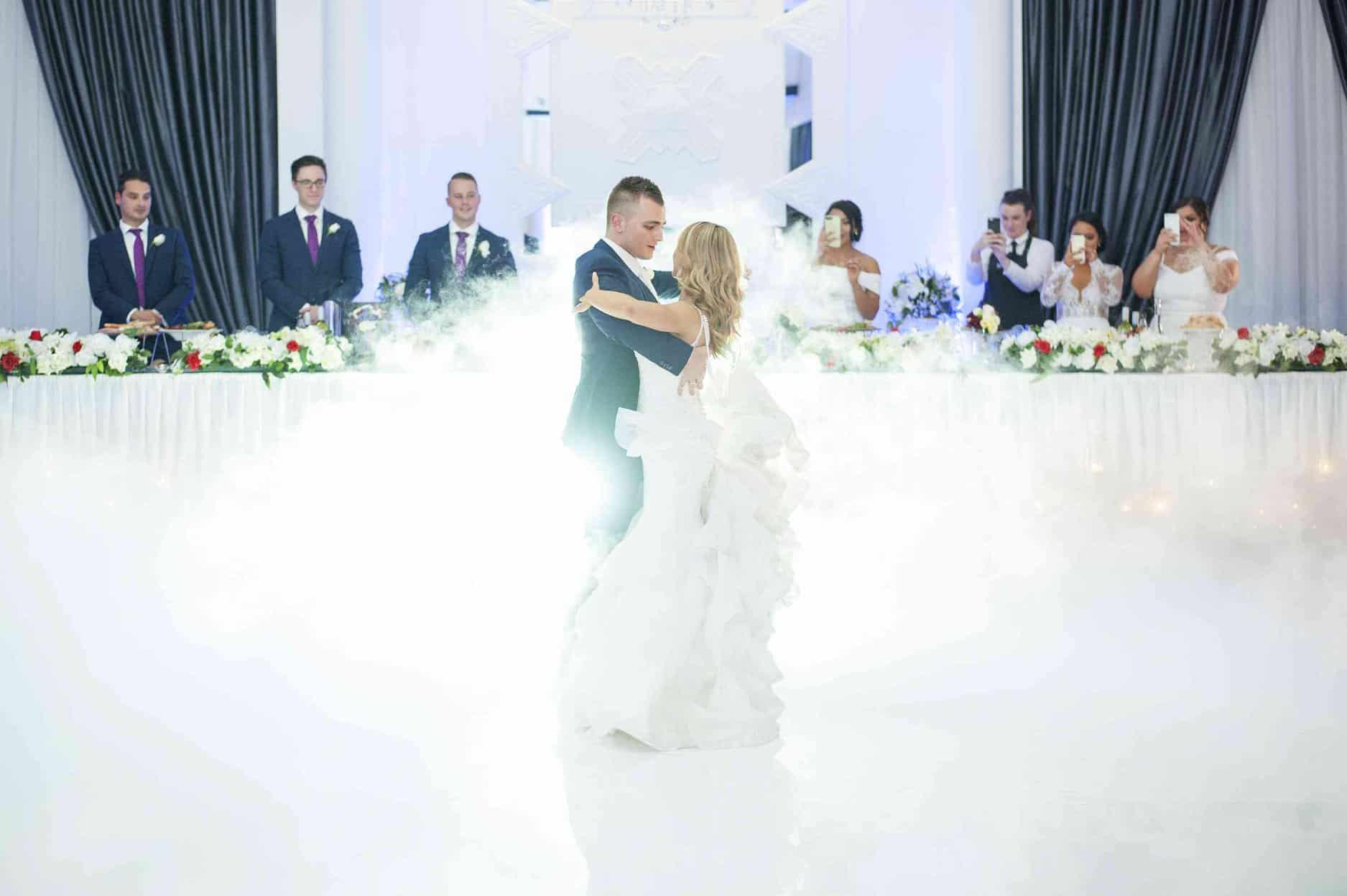 2019 Guide on How to Write Your Wedding Vows - Vines of the