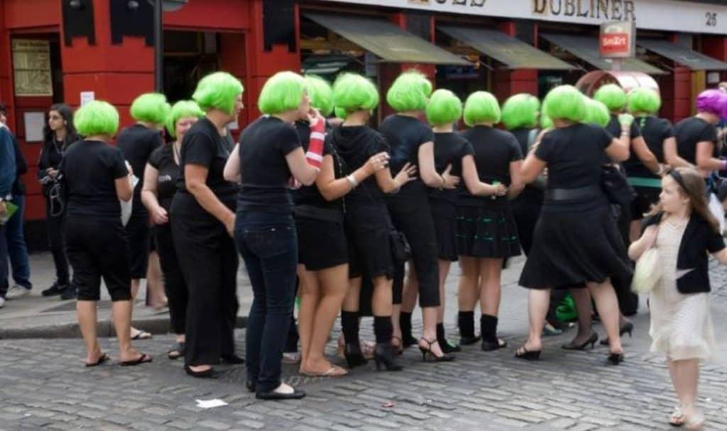 girls wearing green wigs in dublin