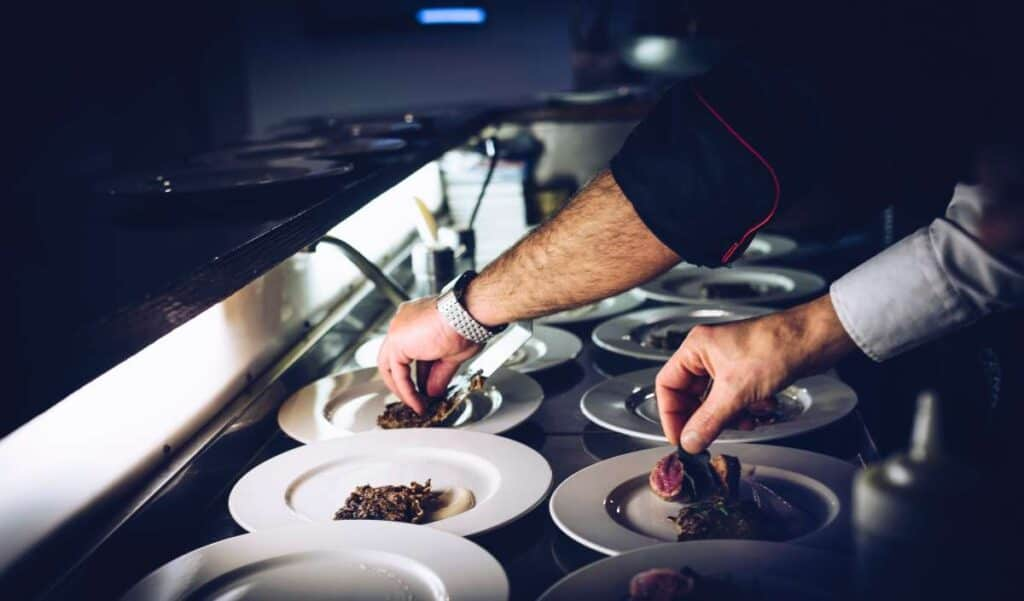 how to save money on wedding caterers1