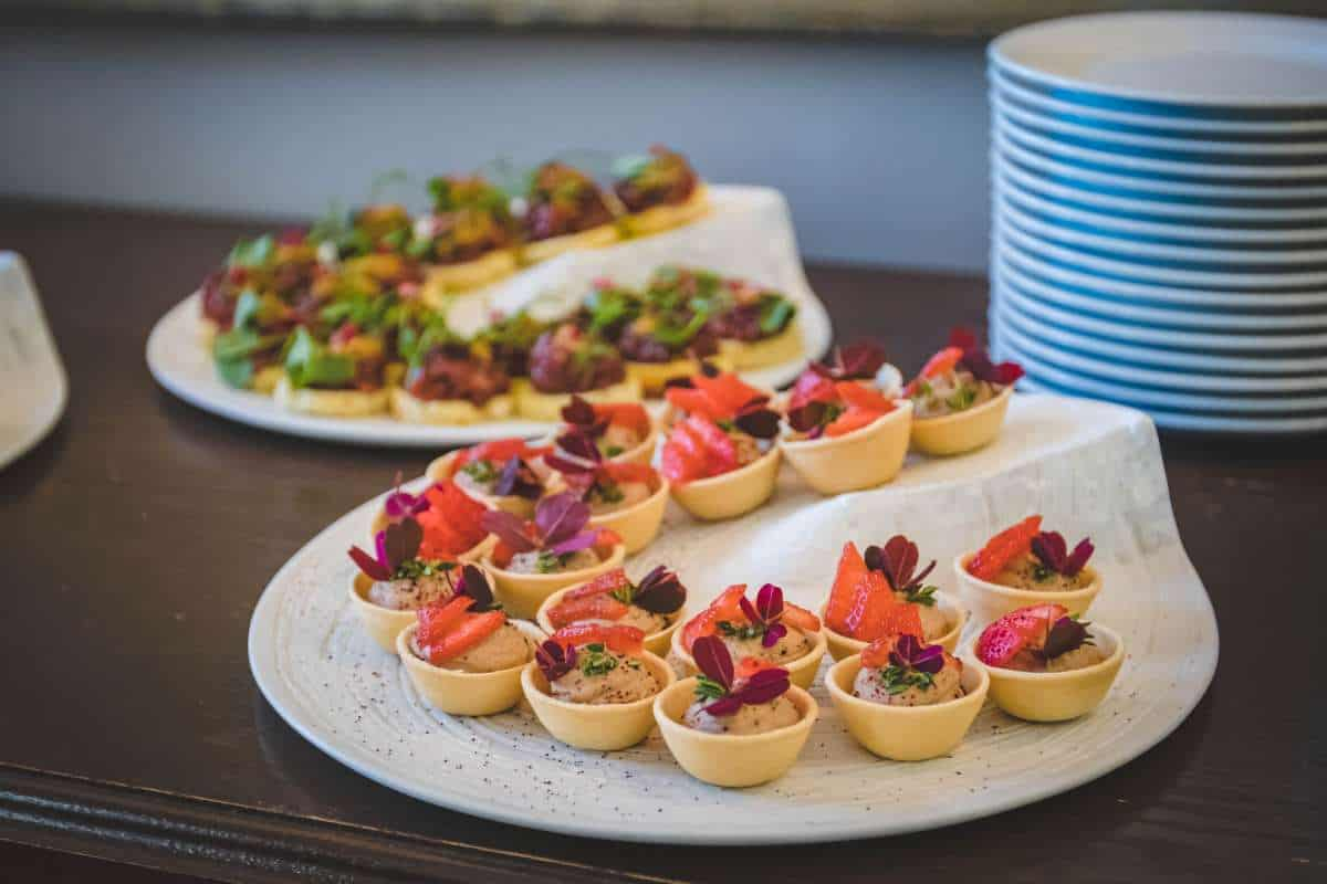 what to look for in a wedding caterer1