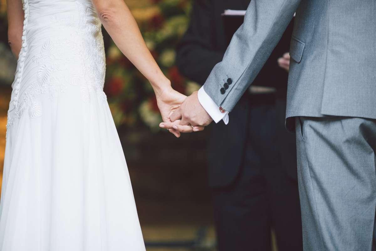 how do i choose a wedding officiant (2)