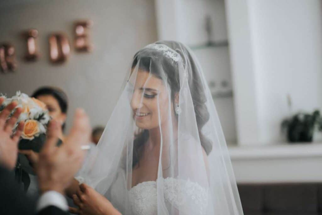 what does the veil mean in a wedding (3)