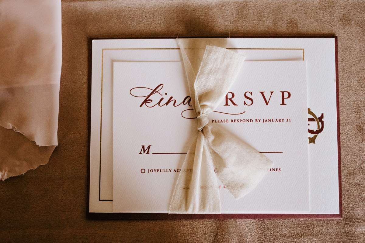 what should not be included in a wedding invitation