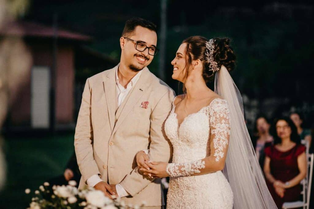 why should you have a backyard wedding (3)