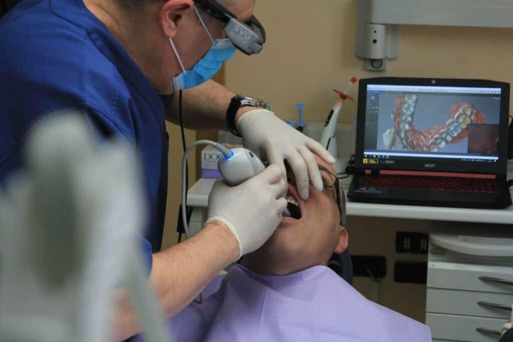 vines family & emergency dentists in moorabbin, melbourne